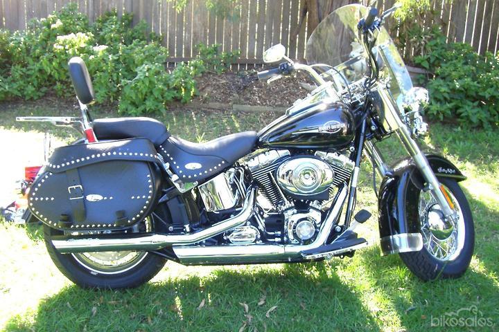 Harley-Davidson Heritage Softail Classic 1584 (FLSTC) Motorcycles
