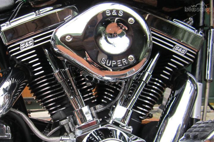 Harley-Davidson Heritage Softail Classic 1340 (FLSTC) Motorcycles