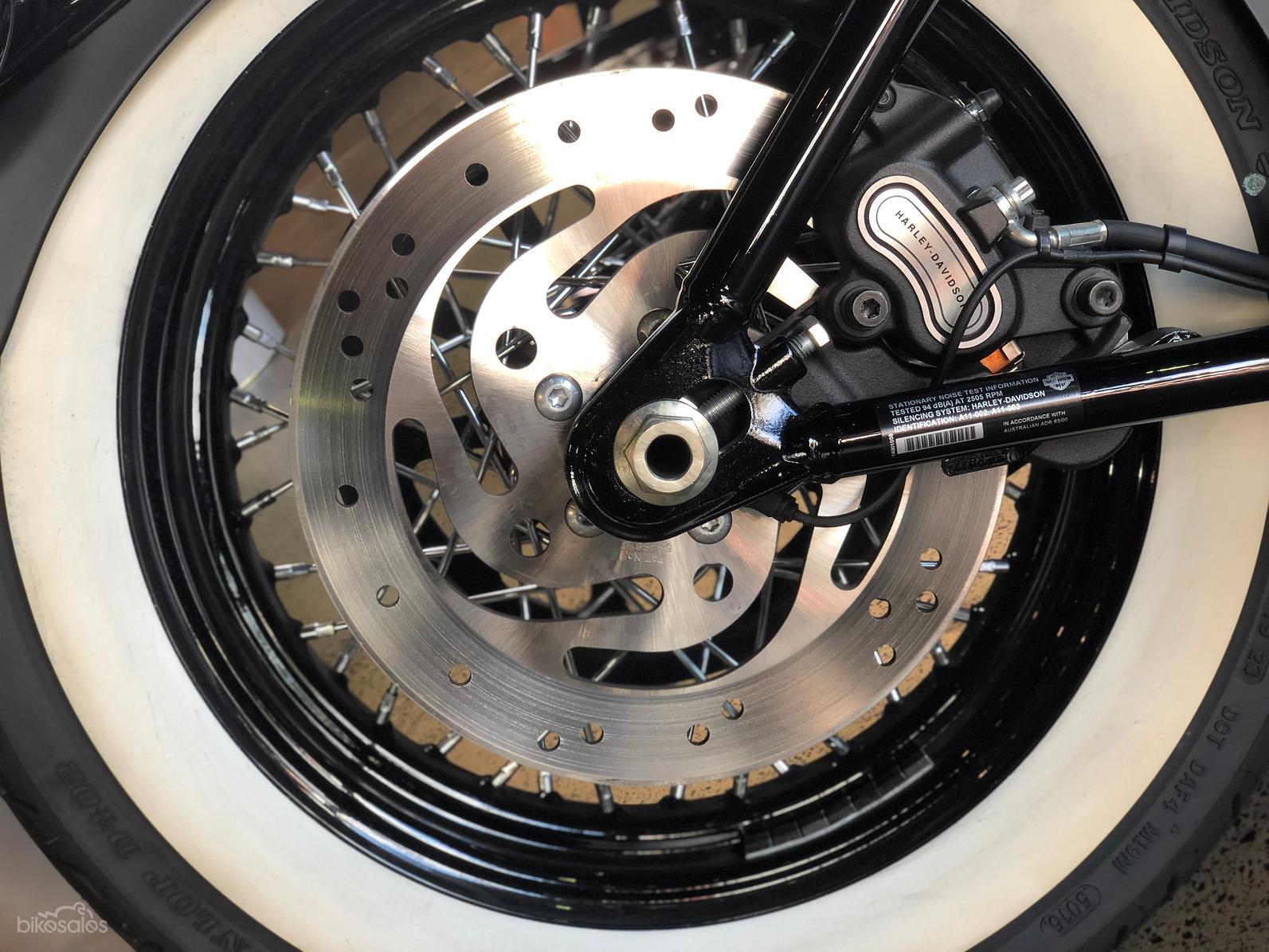 2016 Harley-Davidson Softail Slim (FLS)-OAG-AD-17380921